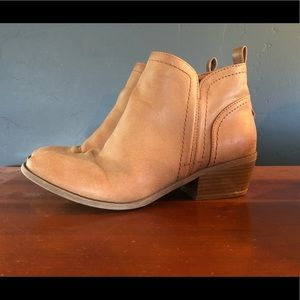 Ankle boots by Guess!